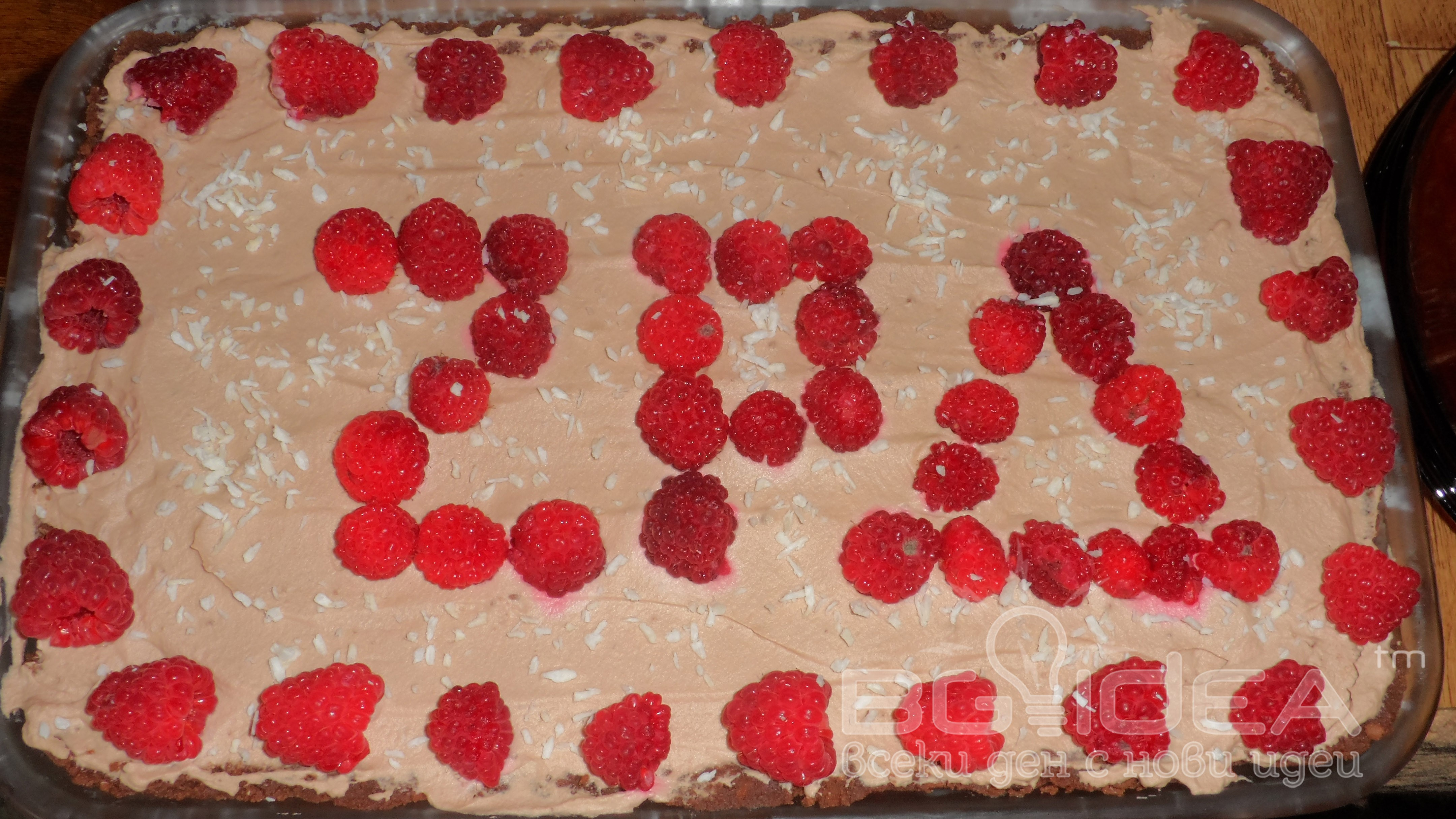 Малинова торта с шоколадов мус